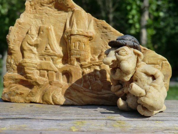 На Карловом мосту, кукла из хлебного мякиша