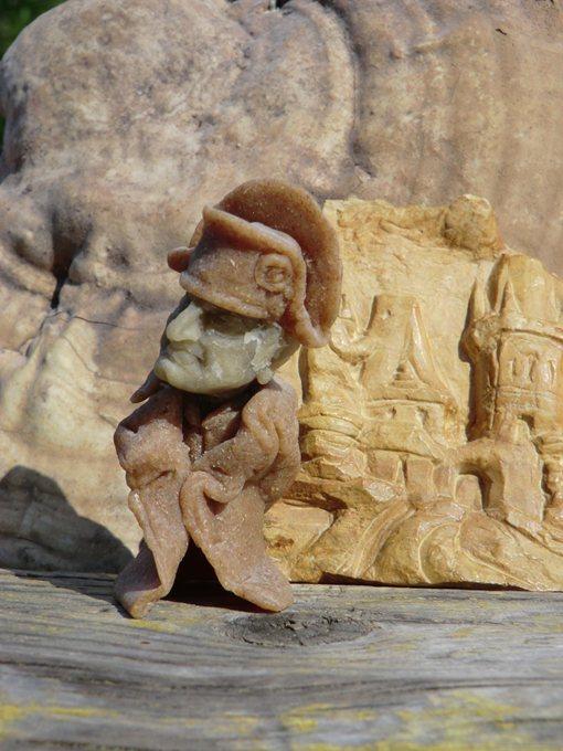 Цурин Борис. НАПОЛЕОН в Праге, кукла из хлебного  мякиша, высота скульптурки 7 см