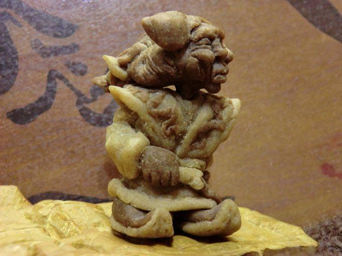 Цурин Борис. ШАМАН, кукла из хлебного мякиша, высота скульптурки 5 см